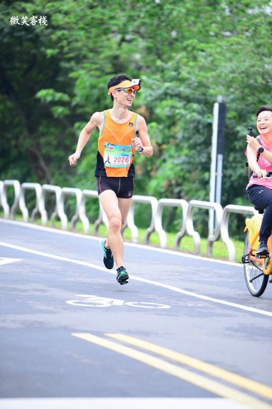 日本人跑遍台湾/台北国际复活节路跑抢下半马总一啦!