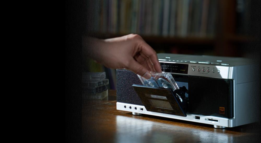 カセットテープやMP3もハイレゾ音源で聴けるラジカセ【連載:アキラの着目】