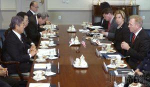 分析:日美在安保领域合作对华 安倍政府陷入两难
