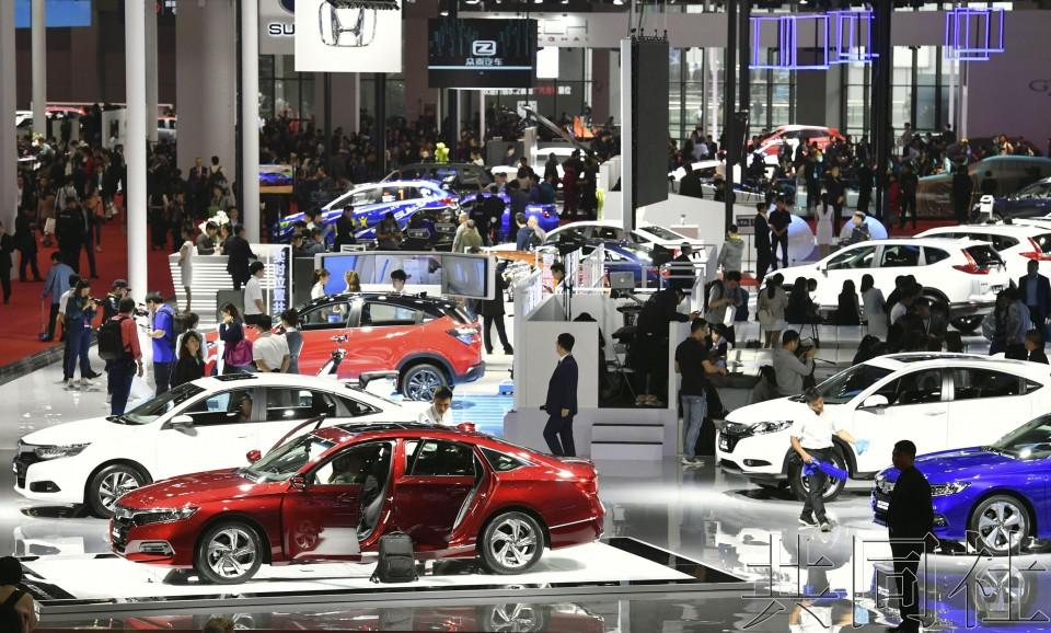 上海车展中国企业纷纷推出最新电动汽车