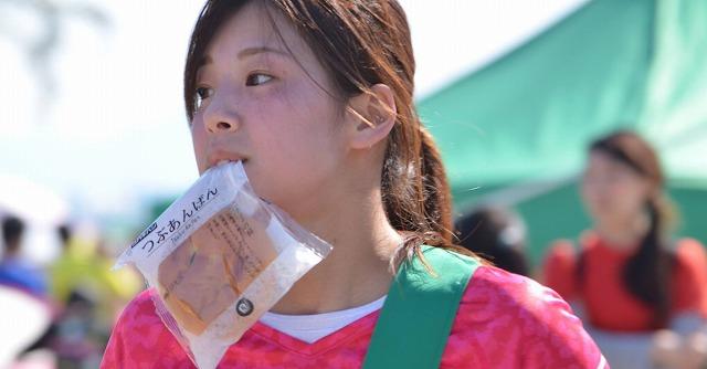 懐かしのパン食い競走がリレーマラソンで蘇る「パン食いdeリレーマラソン」【連載:アキラの着目】