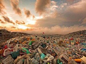 环境省支持塑料垃圾国内处理 要求地方政府配合焚烧