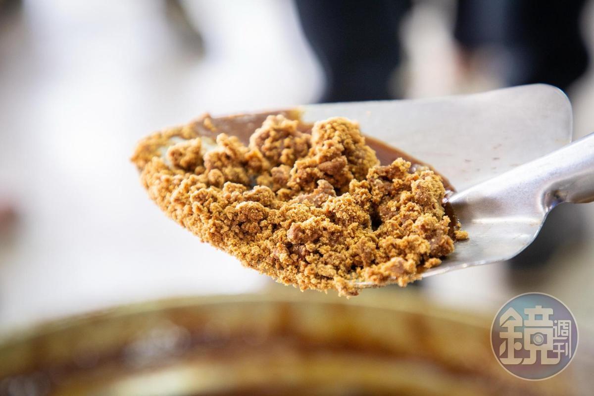 【玩冲绳】砍甘蔗自己煮黑糖最甜蜜的文化体验