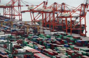 详讯:日本4月贸易顺差604亿日元 同比大减9成