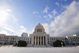 日本执政党与在野党将就消费税增税等问题展开论战
