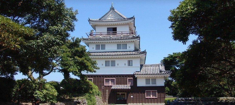 日本冲地方经济推「城泊」观光