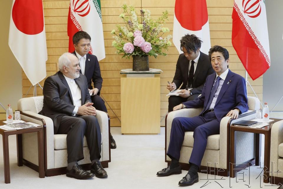 安倍与伊朗外长会谈 期待维持伊核协议