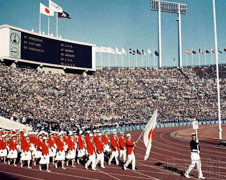 """热点:东京奥运日本代表团服装是否沿用""""红白配""""引关注"""