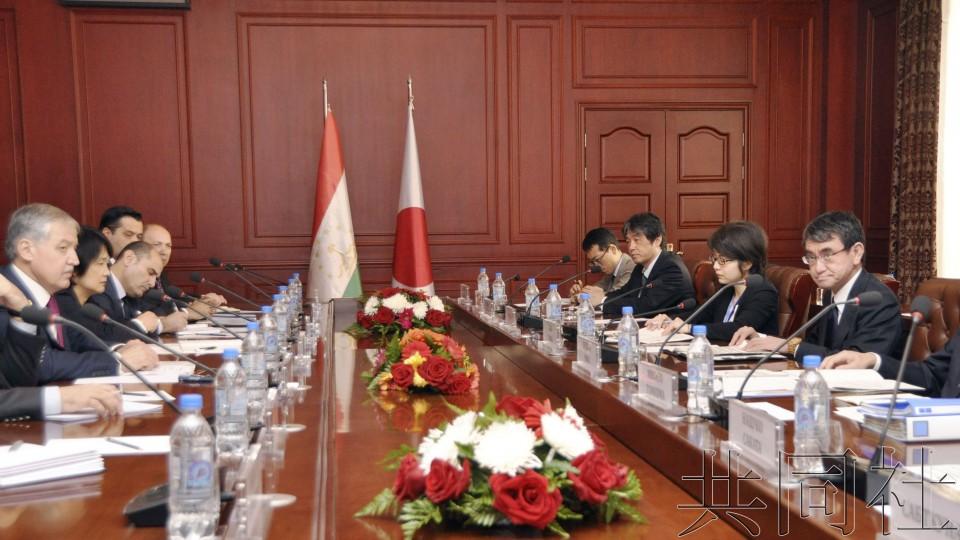 日塔外长会谈同意就缔结投资协定加速谈判