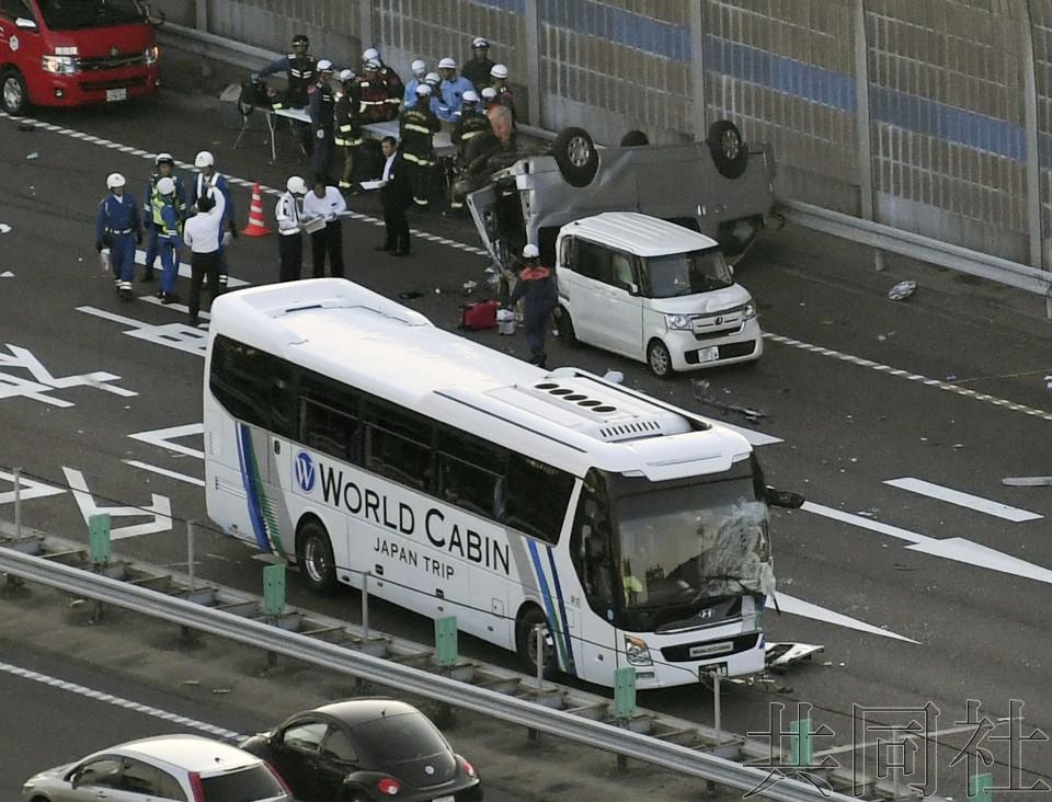 详讯2:名神高速公路车祸导致一名女乘客死亡