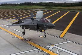 快讯:美军承认冲绳初中掉落物为军机零部件