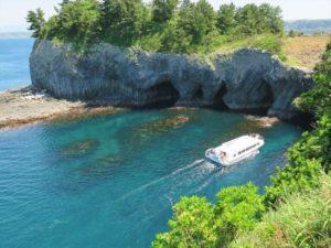 搭乘游船游览神秘的洞窟「七釜」:呼子