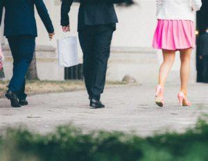 日女星推#KuToo运动愈来愈多企业脱掉高跟鞋