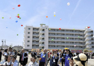 地震灾区宫城閖上地区复兴神舆巡游活动 期待灾区更加繁盛