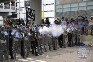 【反送中612】NHK播放香港警民对峙中国立刻断讯黑画面