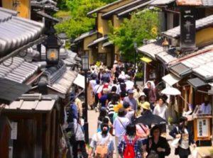 日观光厅调查显示游客增加带来交通拥堵及礼仪等问题