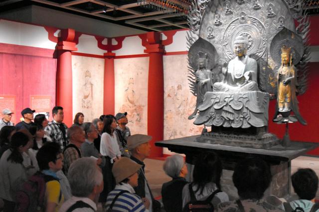 """日本东京艺术大学利用""""超级克隆技术""""复原丝绸之路文物"""