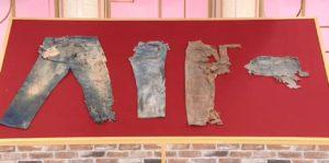 【Levi's】日男手痕买超破烂牛仔裤专家鉴定后发现是超贵古董