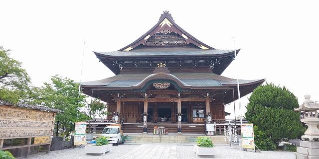 信州善光寺本堂の約3分の2の大きさを誇る善光寺東海別院本堂