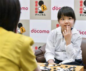 仲邑菫正式赛首胜日本10岁棋士创最年轻纪录