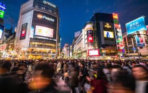 访日外国游客不断增加 日本警察厅翻译中心压力增大
