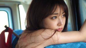 白间美瑠水著Look吸晴新写真《LOVER RUSH》首周销量破2万本