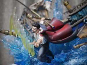 《海贼王》鹰眼激战雕像 一剑破船霸气无比