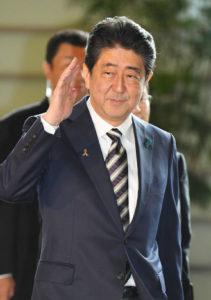 快讯:安倍明确表示9月将改组内阁