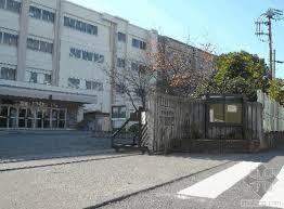 日本公立中小学教师严重不足 全国共缺少1241名教师