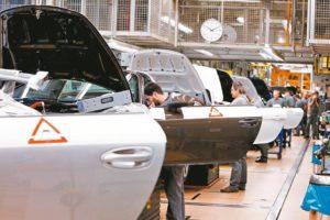 美制造业萎缩十年首见