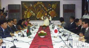 详讯:日外相表示将协助孟加拉国实现罗兴亚难民返乡