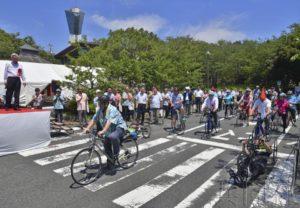 福岛县磐城市在海啸受灾海岸铺设自行车道