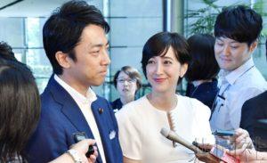 详讯:小泉进次郎将与艺人泷川克里斯汀结婚