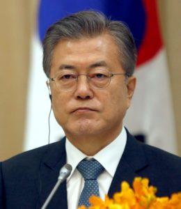 韩日贸易磨擦文在寅:两韩经济合作将超越日本