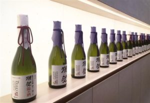 观光客最爱!日本酒「獭祭」爆酒精浓度异常回收26万瓶