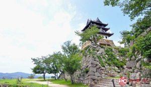 登高望远的现存日本最古老的模拟天守阁「洲本城迹」