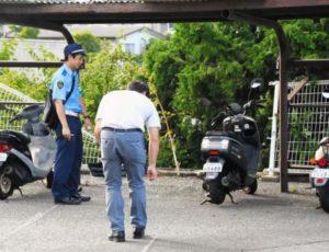 日本福冈县福津市一老人驾车失控坠入JR车站