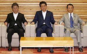 详讯2:安倍表示11日将改组内阁并调整自民党高层人事