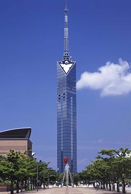 福岡タワー(234m 福岡県福岡市) 全日本タワー協議会HPから引用