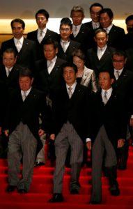 快讯:安倍内阁支持率降至53%