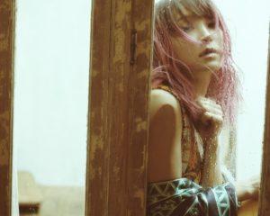 歌手LiSA将为动画《刀剑神域 Alicization 地下世界的战争》演唱片尾曲