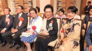 驻日代表处国庆酒会日相安倍母亲连3年出席