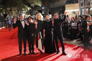 第32届东京国际电影节开幕 中日电影人红毯夺目