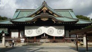 安倍内阁仅两人参拜靖国神社 或顾及到中国