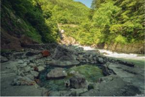 富山县黑部:黑薙温泉