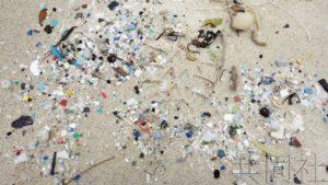 日本调查显示漂至海岸垃圾中塑料垃圾过半数