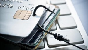 日本警方逮捕涉嫌盗刷信用卡的中国籍女子
