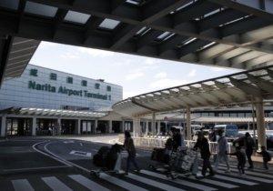 遇紧急状况日本成田机场将强化外语引导