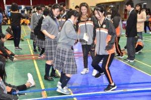 日本高校到瑞芳高工交流跳竹竿、搓粉圆体验台湾文化