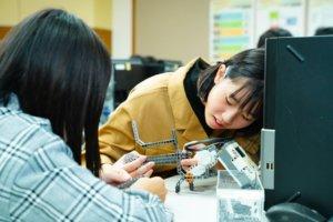 大华科大新学系未开课日本高校抢先体验智慧模拟驾驶